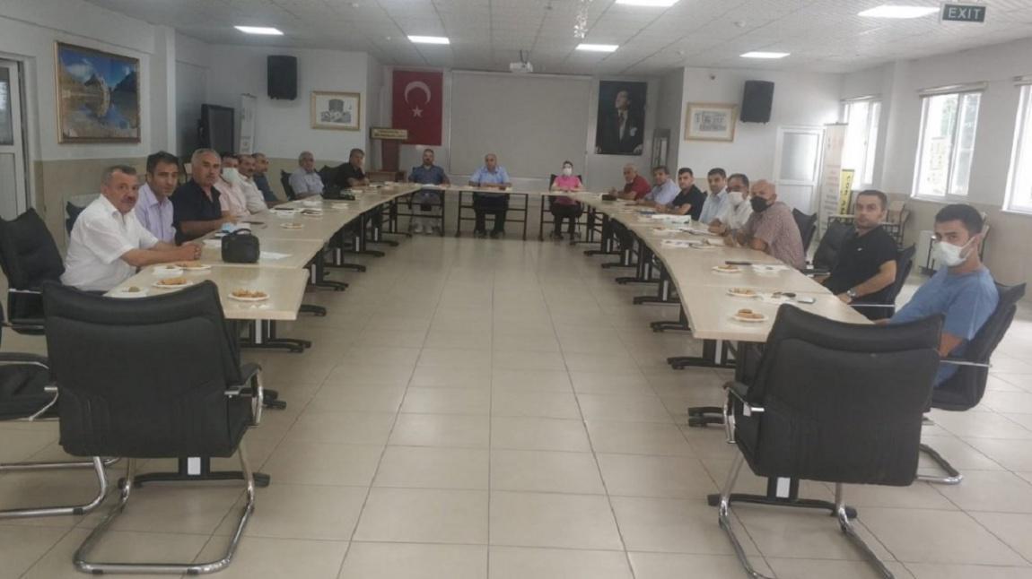 Okul Müdürümüz Murat ÖNDER 2021/2022 Eğitim Öğretim Yılı Sene Başı Eğitim Kurum Müdürleri Toplantısına Katıldı